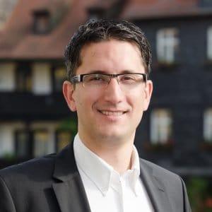 Dr. Sven Laumer
